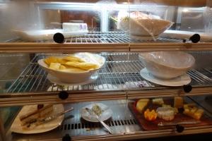 Cold food in the Araliya Lounge