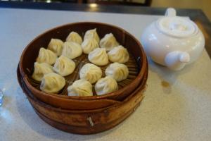 16 dumplings for 20 yuan (~$3). The teapot is full of vinegar.