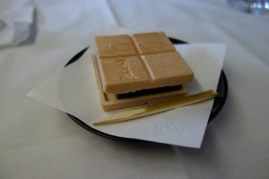Dessert of adzuki paste spread between wafers