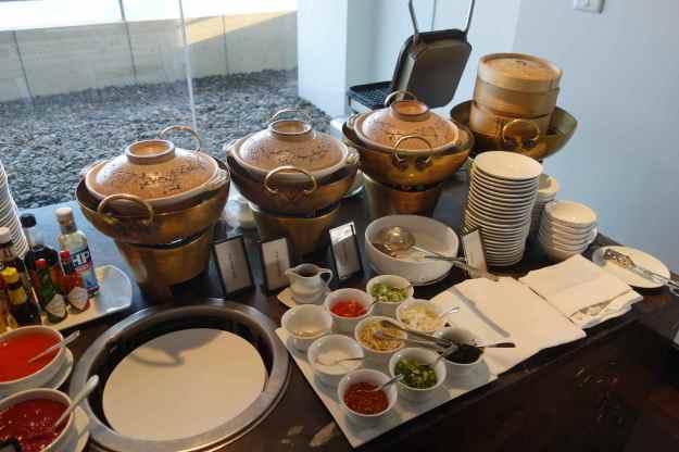 More lounge breakfast